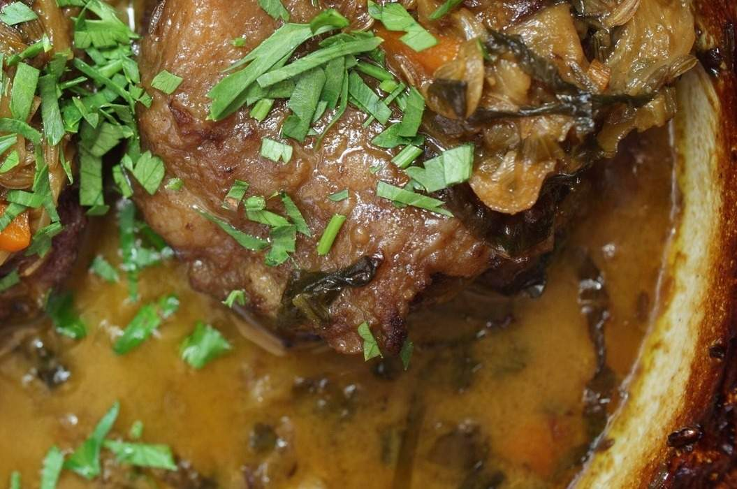 Braised_beef_cheeks_in_verjuice_and_mustard_marinade_misc_massive