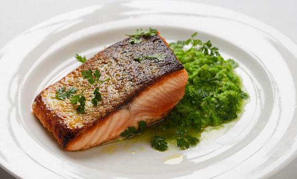 how to make salmon skin cracklings