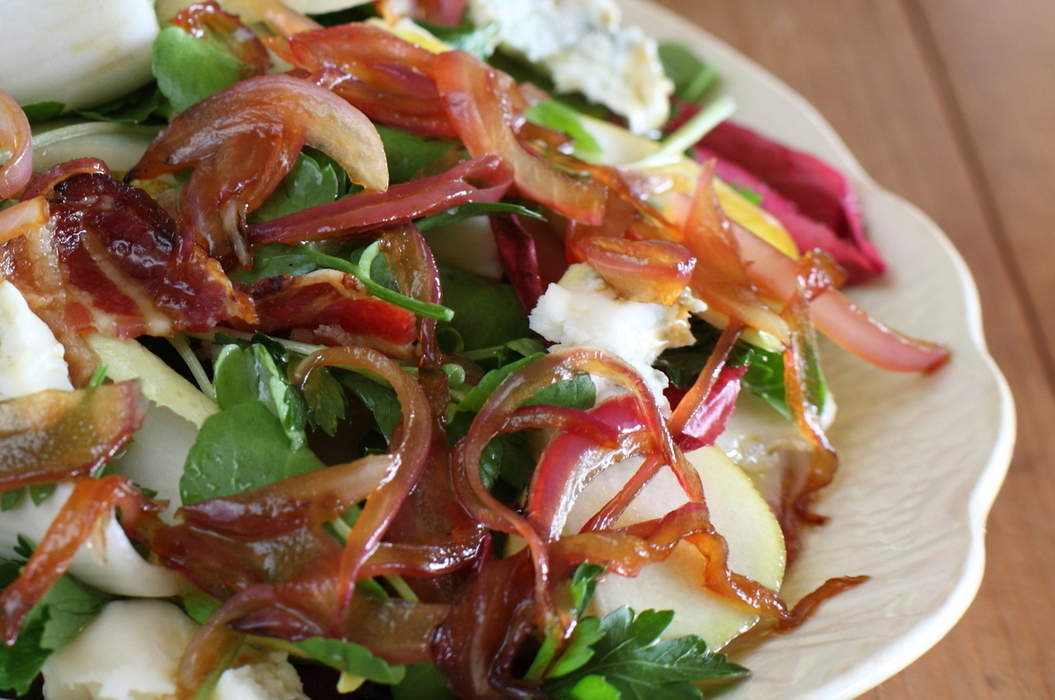 Raw_pear_and_pancetta_salad_misc_massive