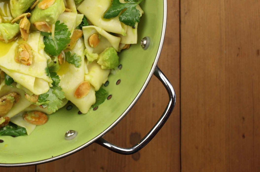 Avocado_ginger_and_almond_pasta_with_coriander_misc_massive