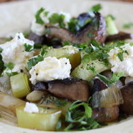 Warm_salad_of_white_bean_mushroom_leek_and_ricotta_recipes_thumbnail