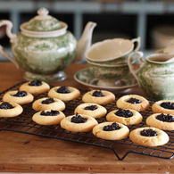 Jam_drop_biscuits_with_burnt_fig_jam_recipes_thumbnail