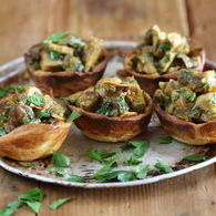 Moroccan_chicken_and_raisin_tarts_2_recipes_thumbnail